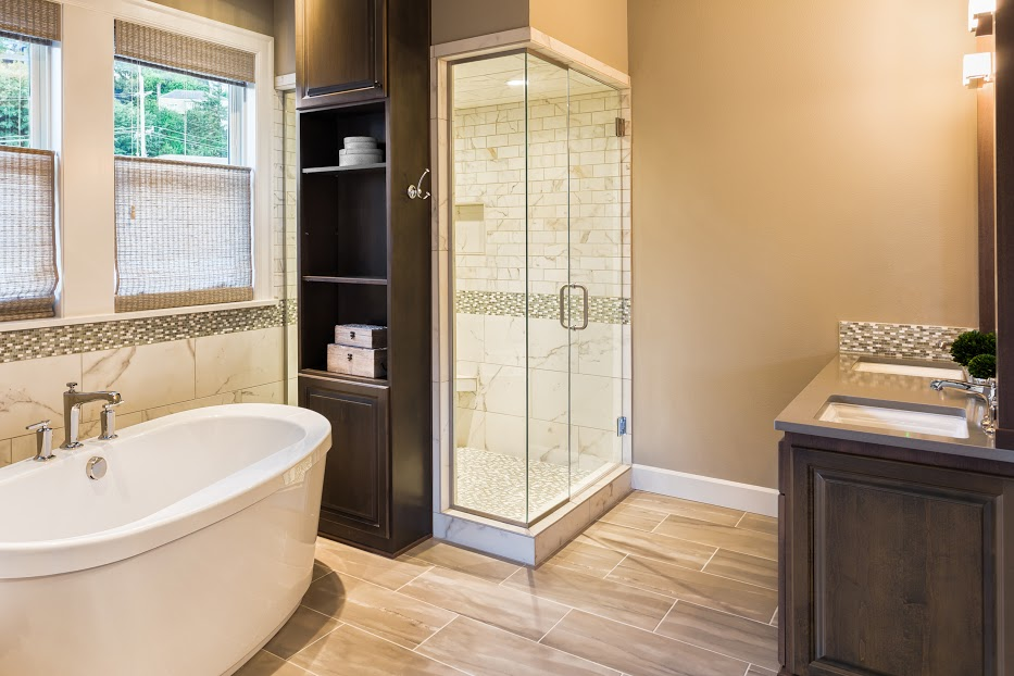 מקלחון ואמבטיה מעוצבים